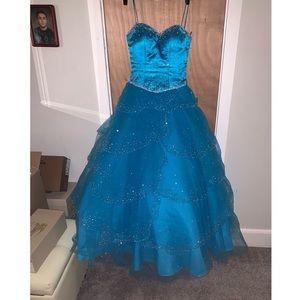 Mori Lee Sz.2 Quince / Sweet 16 Gown dress
